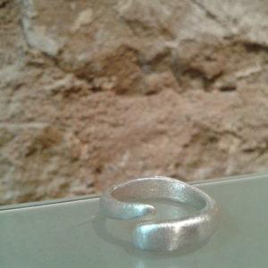anillo adriana abierto plata mate barcelona