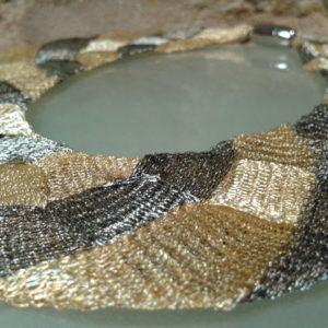 collar ancho malla de titanio joyeria contemporanea barcelona