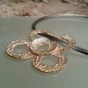 collar grande plata chapada en oro moartespai