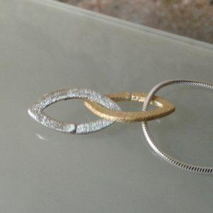 collar combinadao en plata y chapado en oro moart